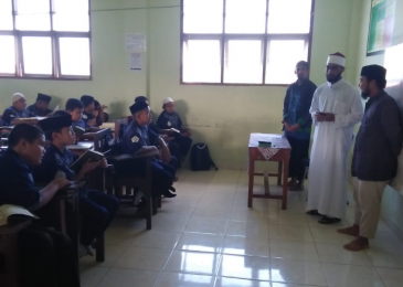 Syaikh Mesir 'Sidak' Bacaan Al-Qur'an Siswa Sekolah Tahfidzul Qur'an Mu'adz bin Jabal Kendari