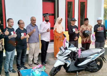 Wakil Gubernur Sulawesi Tenggara Lukman Abunawas, S.H., M.Si.Meresmikan Rumah Layak Huni Program dari Ramadan Run